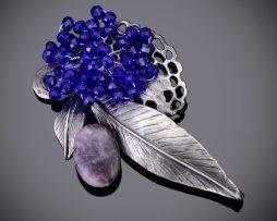 Jedinečná ručne brúsená a leptaná brošňa - modré zátišie