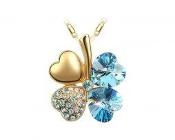 Luxusný prívesok v tvare štvorlístka v modrej farbe