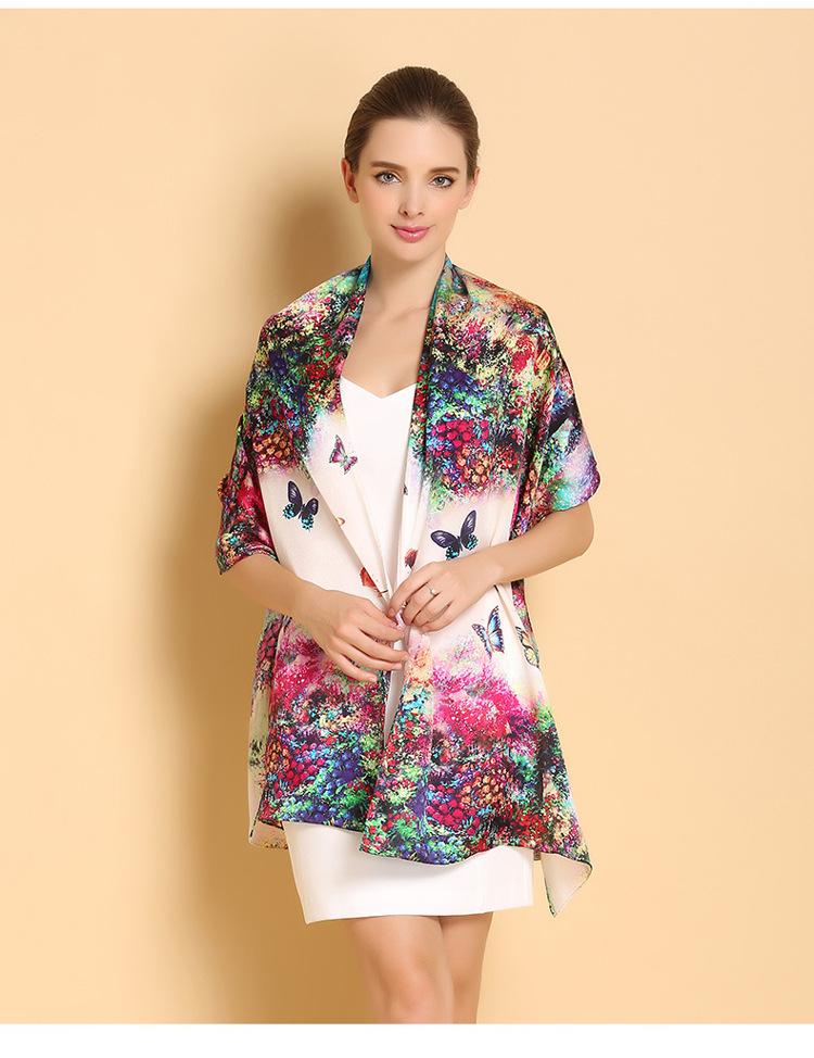 Luxusný dámsky hodvábny šál vo výrazných farbách  c2d470337c1