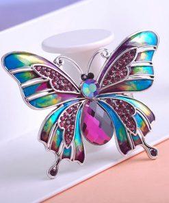 Moderná brošňa v tvare motýľa s rakúskymi kryštáľmiModerná brošňa v tvare motýľa s rakúskymi kryštáľmi