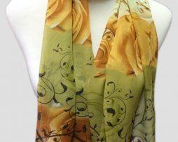 Elegantný dámsky šál so vzorom kvetín v zelenej farbe