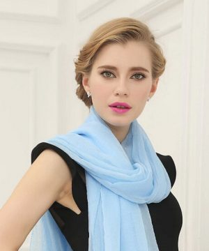 Luxusný elegantný šál v svetlo modrej farbe
