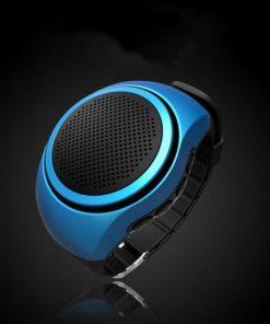Kvalitný Bluetooth reproduktor v tvare hodiniek v modernom dizajne