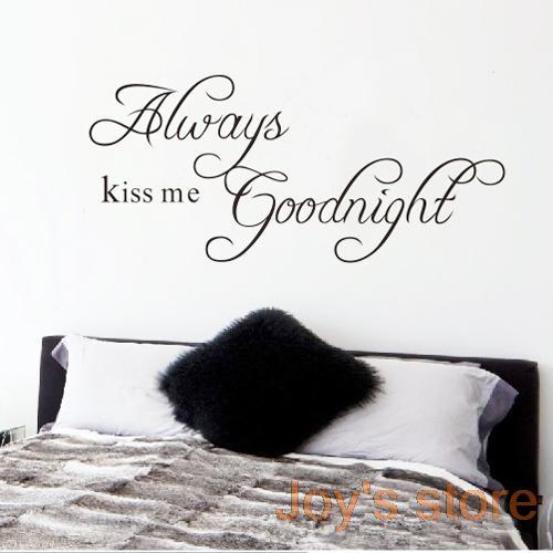 Kvalitná nálepka na stenu z PVC - KISS ME - 58x26 cm
