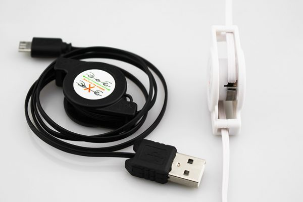 Šikovný a praktický USB - micro USB kábel , rolovací, 1m