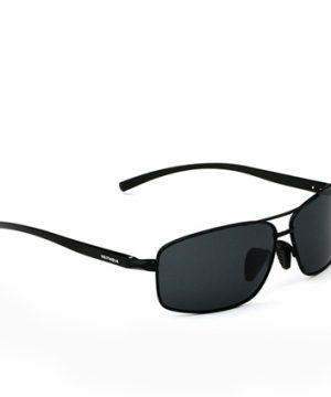 Kvalitné polarizované okuliare z odolnej zliatiny s čiernym rámom