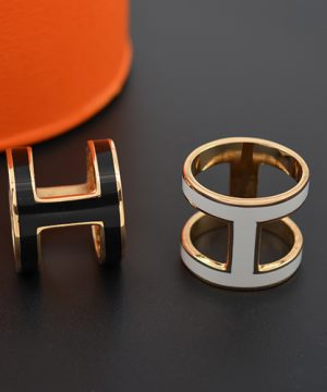 Luxusná spona na šatku v modernom dizajne v 3 farbách