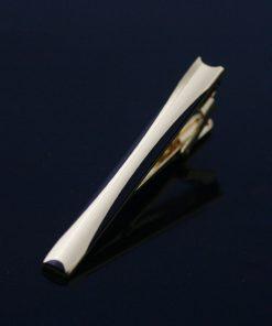Luxusná kravatová spona značky JASON & VOGUE v zlLuxusná kravatová spona značky JASON & VOGUE v zlato-čiernej farbeato-čiernej farbe