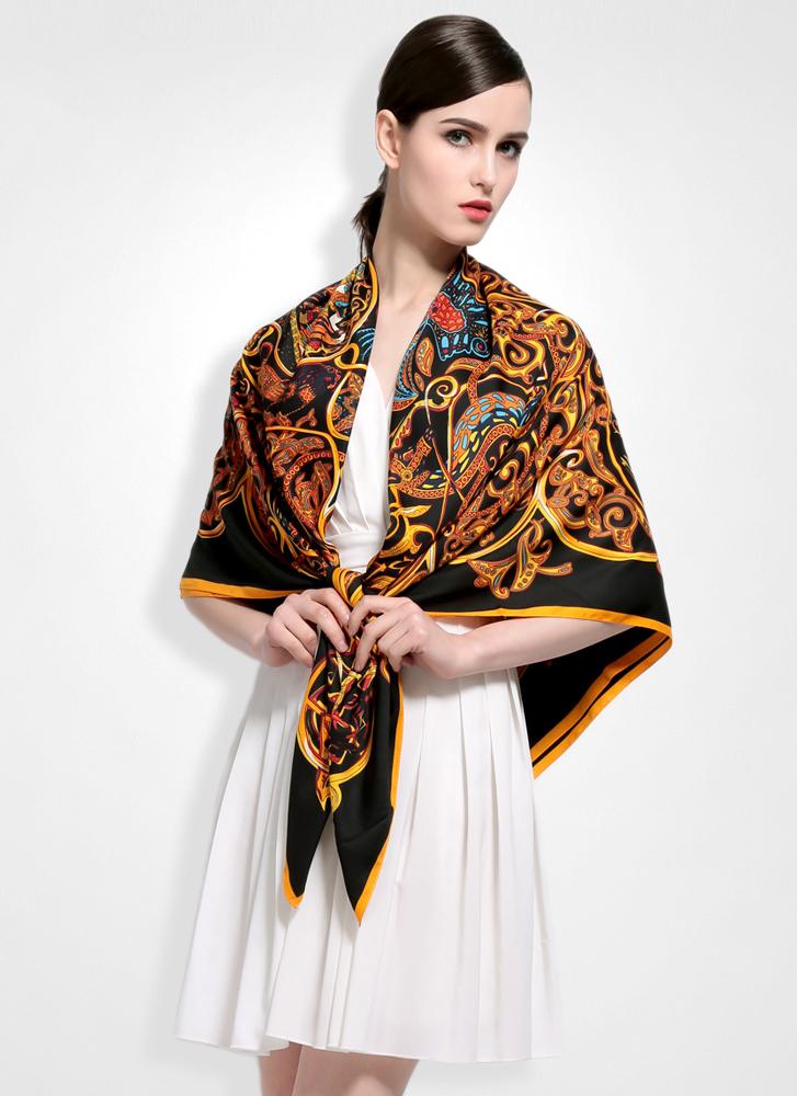 Luxusná hodvábna šatka s motívom Orient 130 x 130 cm  16401321a8c