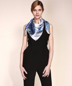 Vysoko kvalitná hodvábna šatka s elegantným námetom 90 x 90 cm