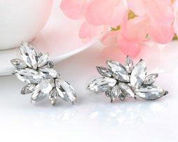 Výrazné piercing náušnice v tvare strieborných kryštálov