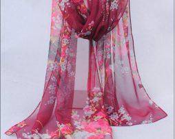 Elegantný šál so vzorom kvetín vo vínovo-červenej farbe