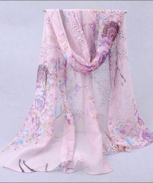 Elegantný šál so vzorom kvetín v ružovej farbe
