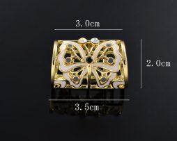 Brošňa na šatku s motýľom v tvare valca
