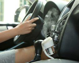Zvlhčovač vzduchu a aromatherapy voňavka do auta + USB porty