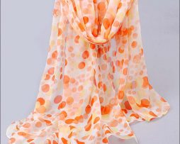 Elegantný šál s bodkami v pomarančovej farbe