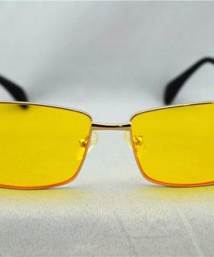 Decentné okuliare na jazdu v noci a v hmle