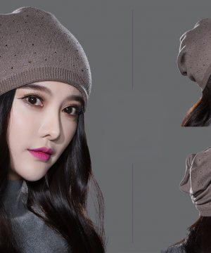 Kvalitná čiapka pre dámy z bavlny a kašmíru v rôznych farbách