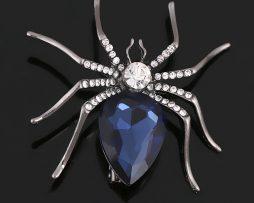 Prepracovaná brošňa na šaty v podobe pavúka s kryštálmi