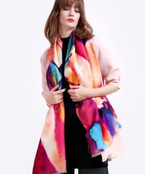 Ručne tkaný šál z kašmíru v pestrých farbách - krémový