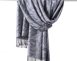 Kvalitný kašmírový šál v strieborno-sivej farbe