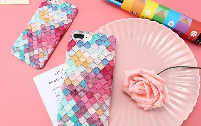 Farebný obal z tvrdeného plastu na iPhone s jemnou štruktúrou