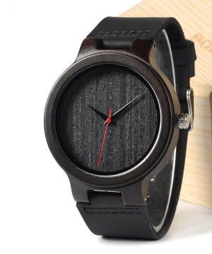 Luxusné pánske hodinky v drevenom prevedení s koženým remienkom