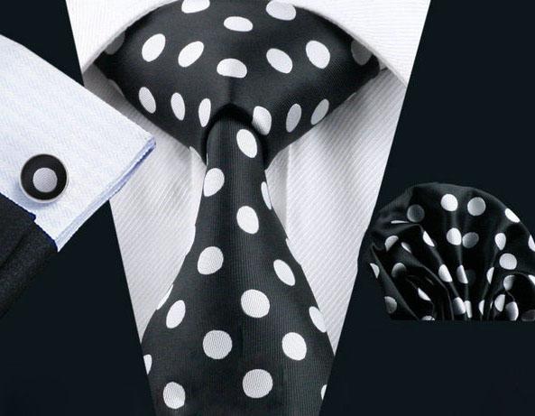Elegantný bodkovaný kravatový set Bary - kravata + manžety + vreckovka , č.6