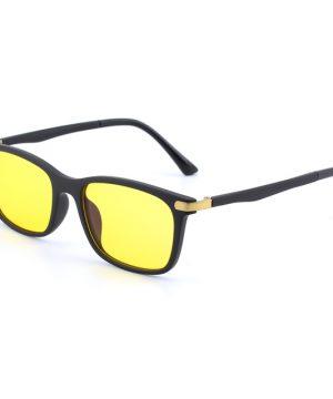Flexibilné okuliare s čierno-zlatým rámom na prácu za počitačom aj na nočné šoférovanie