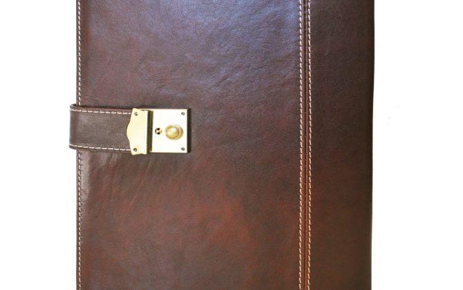 Luxusná kožená spisovka so zámkom na kľúč č.8344 v hnedej farbe