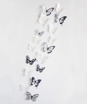 Kreatívne nálepky na stenu z PVC - MOTÝLE BIELA A ČIERNA - 18 kusov
