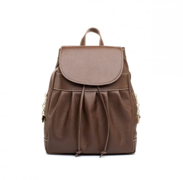 Luxusný kožený ruksak. Môžete si ho vziať napríklad na výlet alebo do mesta, vždy s ním však budete vyzerať elegantne.