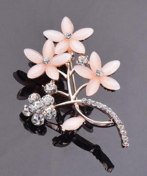 Luxusná brošňa v tvare stonky s ružovými kvetmi a kryštálikmi