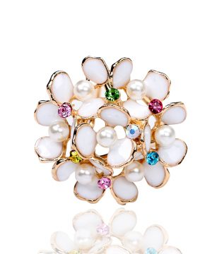 Luxusná zlatá brošňa s tvare kytice s perlami a farebnými kryštálikmi