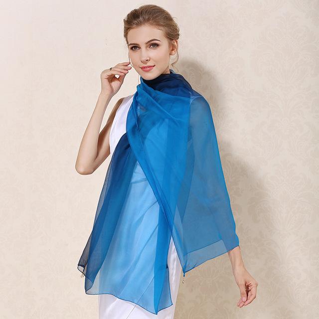 Luxusný hodvábny modro-čierny šál 56f3147d178