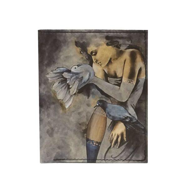 Ručne-maľovaná-peňaženka-8560-s-motívom-Dievča-s-holubmi1