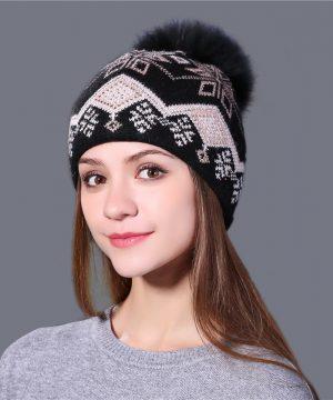 Jedinečná vlnená dámska čiapka s odnímateľným brmbolcom v rôznych farbách