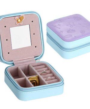 4292ab0a165b0 Malá dámska šperkovnica, kufrík na drogériu v koži · Luxusné a módne ...