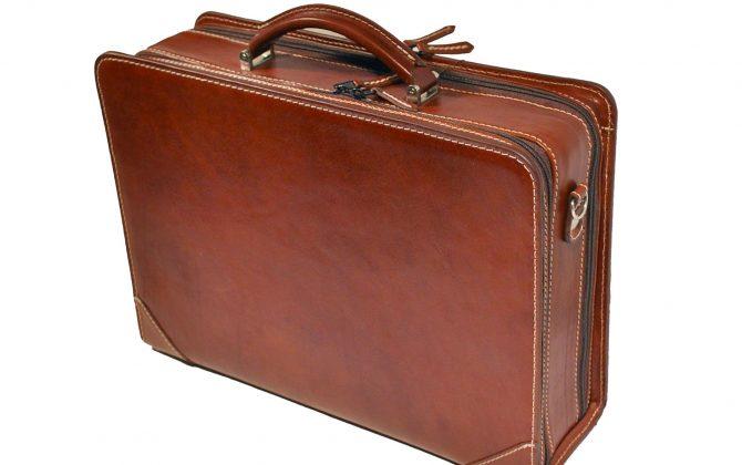 Kožený pracovný kufor č.8156 v hnedej farbe