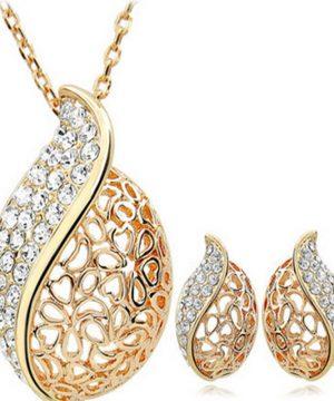 Luxusný šperkový set v tvare kvapky v zlatom prevedení s kryštálikmi