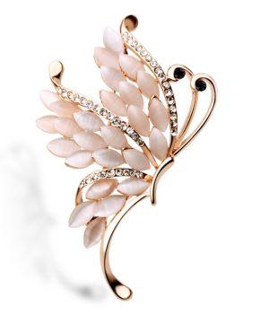 Nádherná zlatá brošňa v tvare motýľa