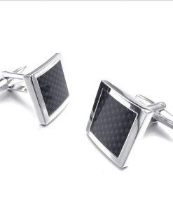 Elegantné manžetové gombíky s čiernymi kockami v tvare šachovnice