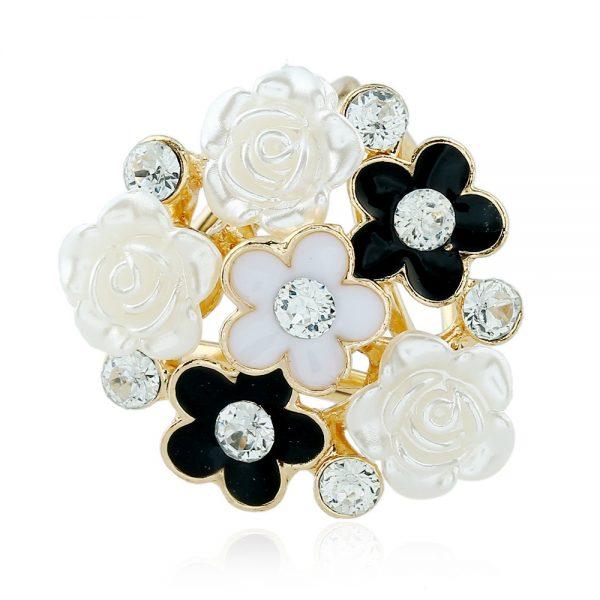 Luxusný trojprstenec v tvare kytice v čierno-bielej farbe s kryštálikmi