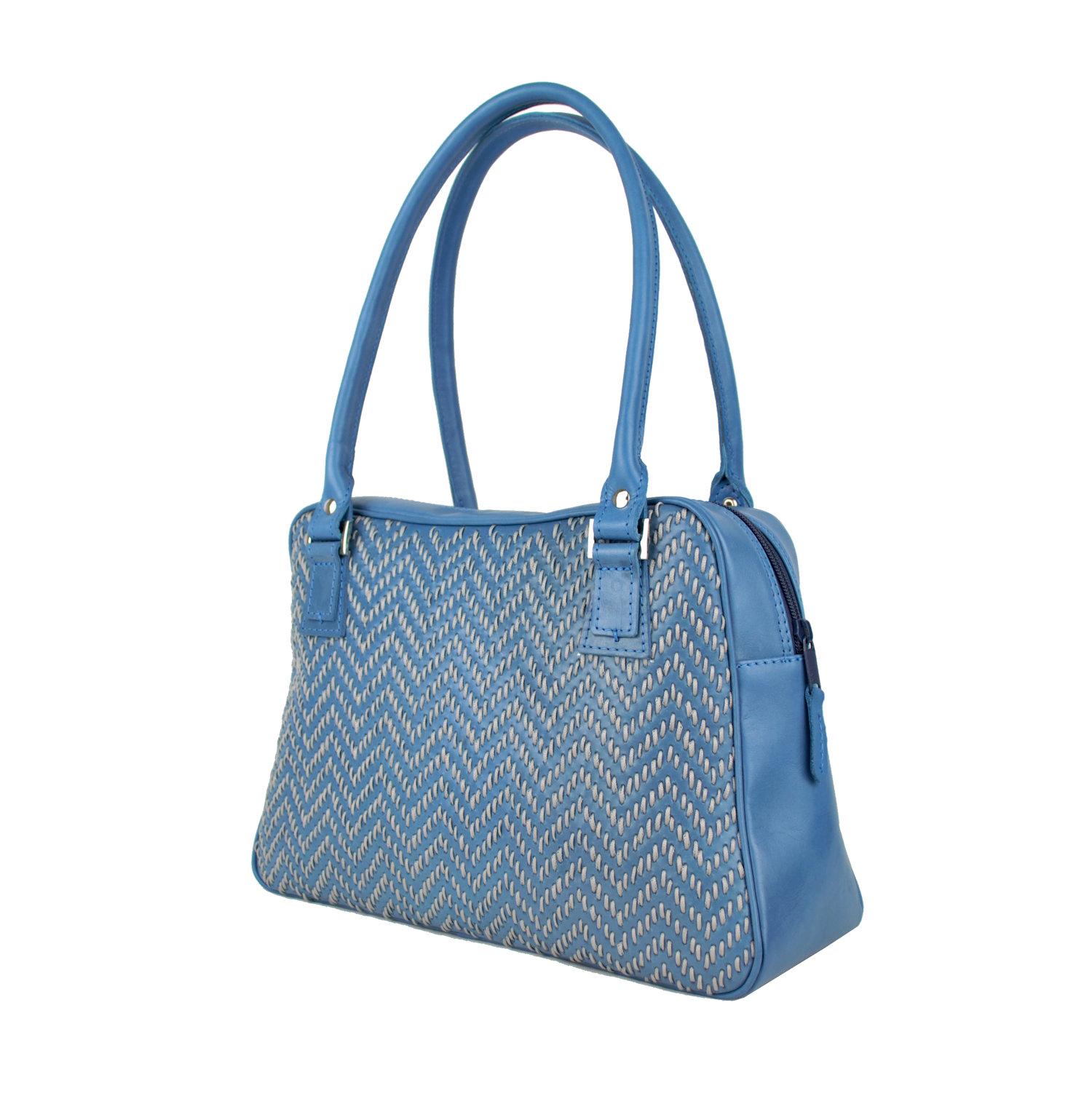 0c91f59a3b Ručne vyšívaná kabelka z pravej kože v modrej farbe - šedé vyšívanie ...