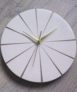 Ručne vyrobené nástenné hodiny – White gold