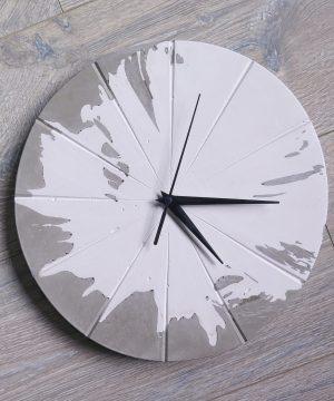 Ručne vyrobené nástenné hodiny – Concrete explosion