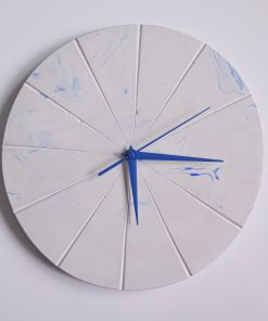 Ručne vyrobené nástenné hodiny – Pure blue marble