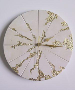 Ručne vyrobené nástenné hodiny – Gold mine