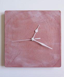 Ručne vyrobené nástenné hodiny – Terracotta pure cube
