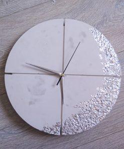 Ručne vyrobené nástenné hodiny – White silver quatro
